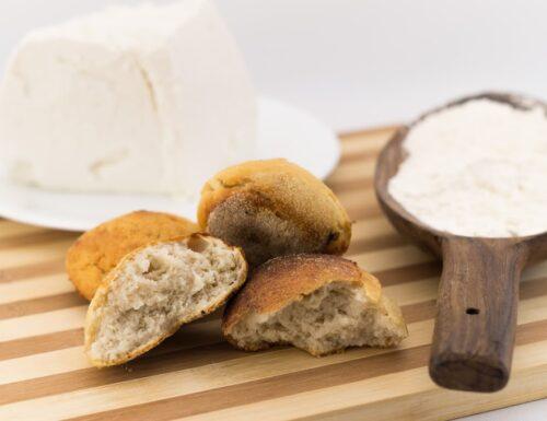 Focaccine di ricotta, ricetta pane speciale