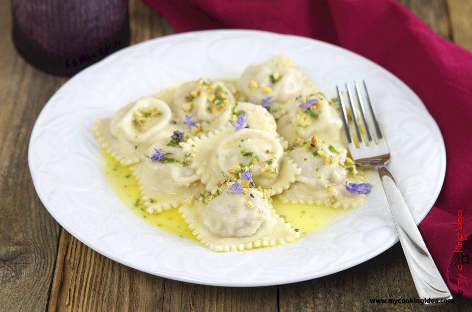 Ravioli di castagne, ricetta vegetariana primo piatto