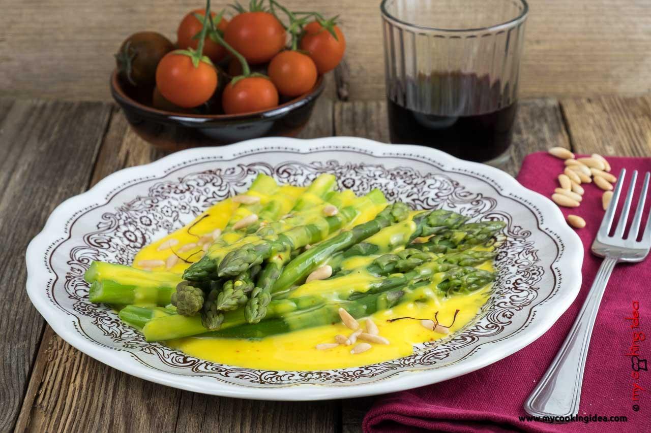 Asparagi con crema allo zafferano | Ricette con gli asparagi
