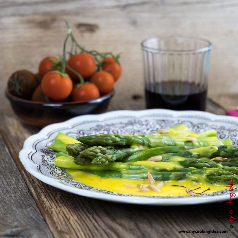 Asparagi con crema allo zafferano | Ricette vegetariane