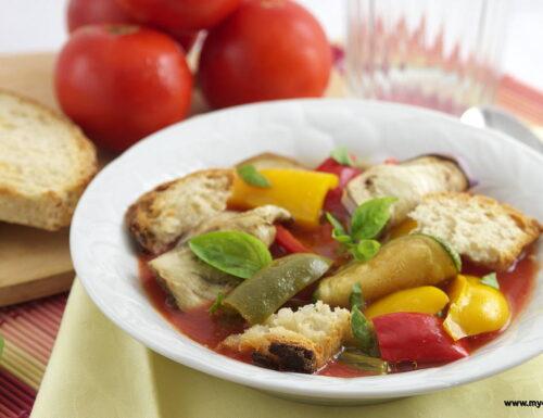 Zuppa di verdure estive